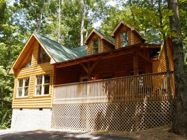 Whispering Oaks, a log cabin rental in Sevierville TN.