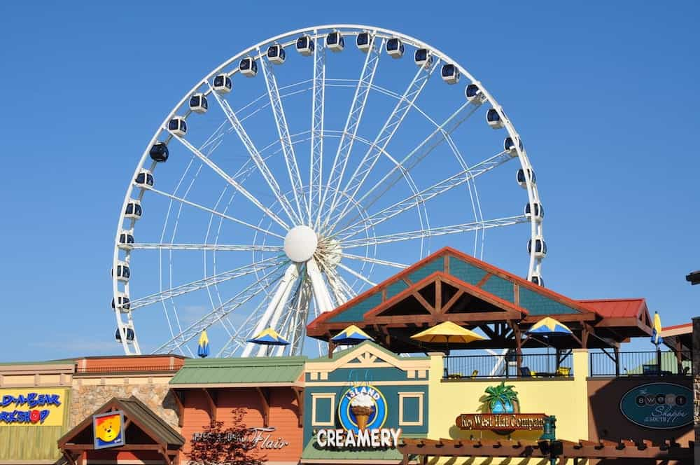 a view of the smoky mountain wheel